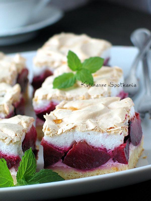 kruche-ciasto-ze-sliwkami-i-beza-1