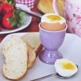 Sprawdzone sposoby na gotowanie jajek 38