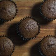 3 pomysły na babeczki intensywnie czekoladowe 50