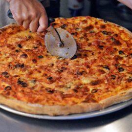 krojenie pizzy