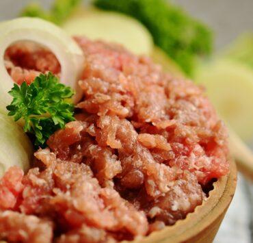 Jak rozpoznać świeże mięso mielone? 27