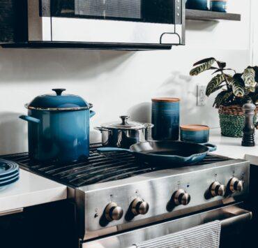 Jakie związki chemiczne znajdują się w garnkach i innych naczyniach kuchennych? 29